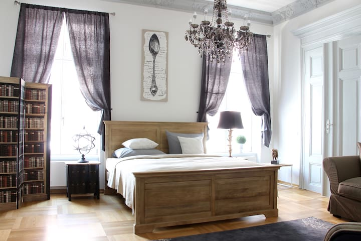 Leon Suite Apartment-De Luxe , Zoo , Zentrum , Hbf