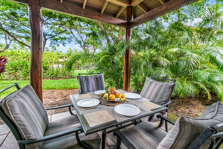 Your Tropical Villa with Beach Club Access! Netflix Included!