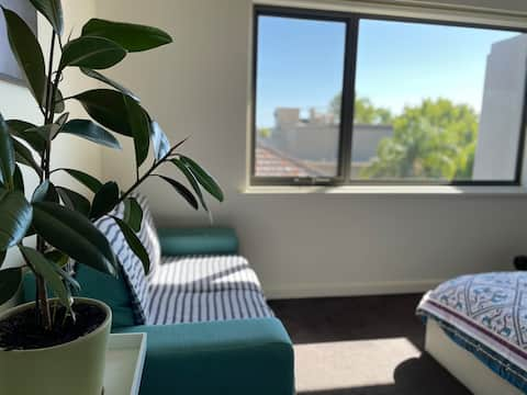 Elwood Apartment - 100m from Elwood Beach Shore