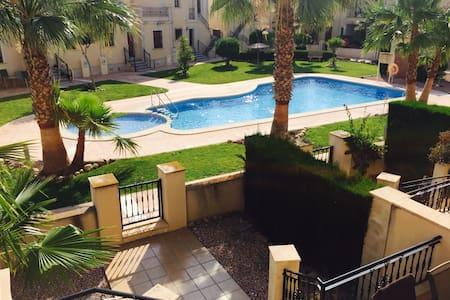 Beautiful Modern Townhouse with Wifi beside Pool. - Algorfa - Adosado