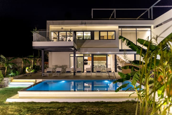 Brand new villa with private pool,600m. to the sea