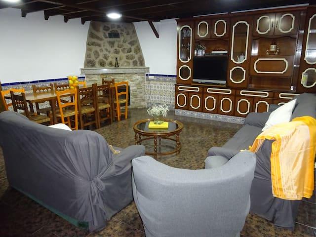 Casa con piscina en Gredos para max 10 personas.