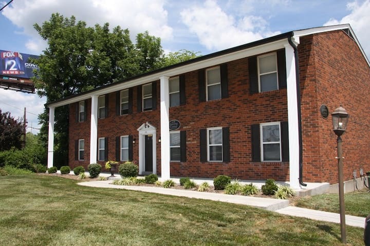 Near  Lindenwood Univ. & Main St - Saint Charles - Apartament
