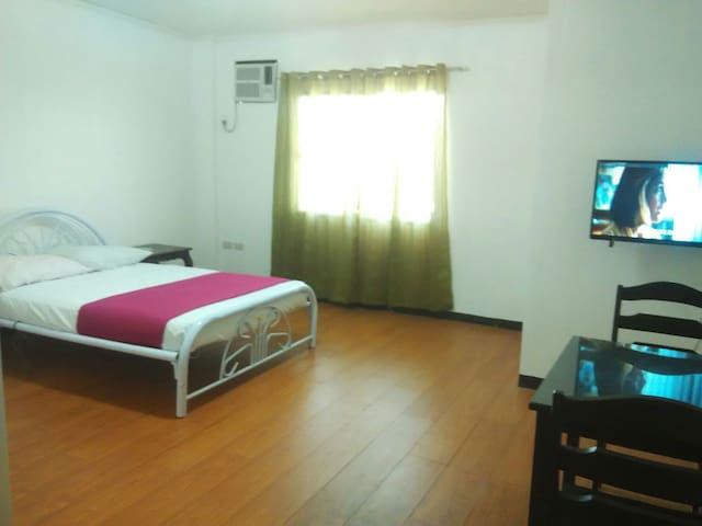 Cheap Family Rooms near city center