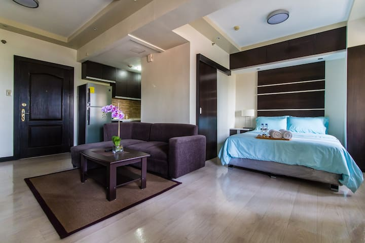 Hotel-style apt in the heart of Fort Bonifacio