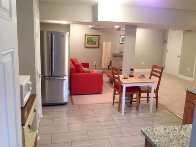 Lovely private apt. in quiet area - Washington - Huis
