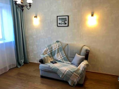 Cozy apartment at Amurskiy bul'var 46