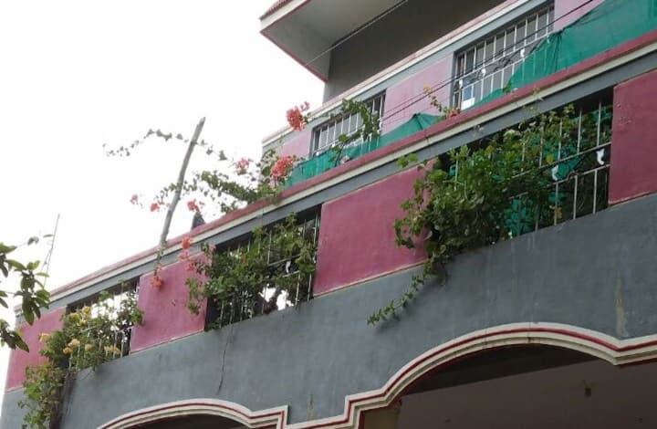 1 BHK house with ac* near CMC (1st floor)