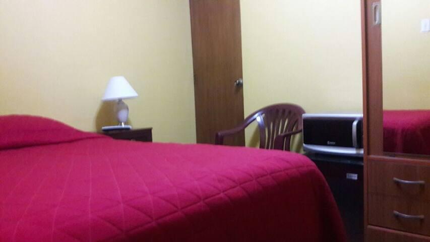 Habitación b/p, amob. 17 dls c/desay. 15 s/desy. - Lima - Appartement en résidence