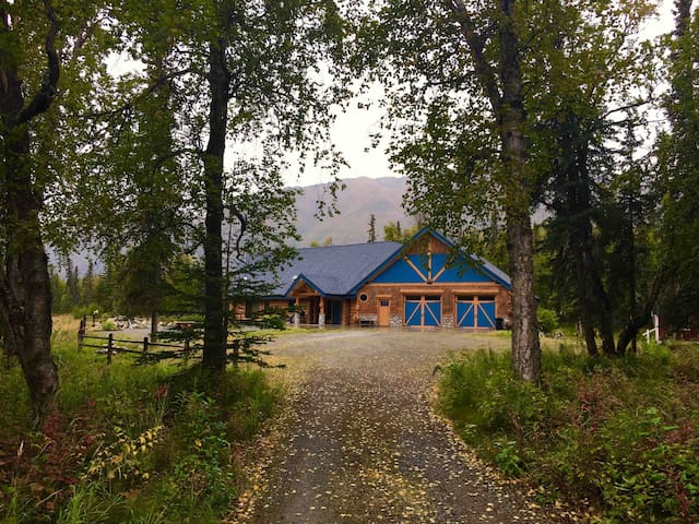 Your own private lodge just 1hr north of Anchorage