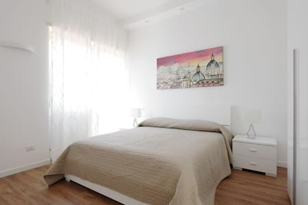 A comfortable and bright penthouse (int.a) - Lido di Ostia - Apartament