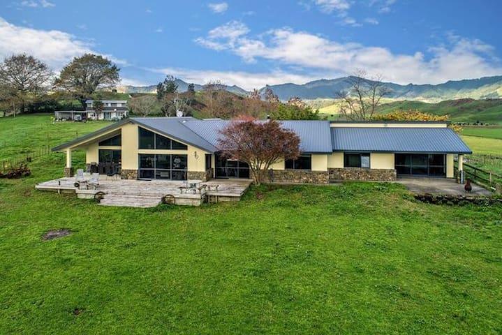 Waiotahi Dairy Farm Hideout No.3