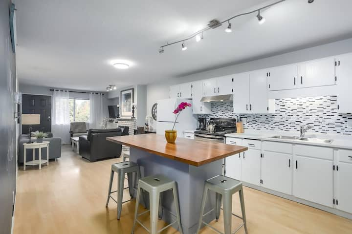HIGHLY CLEAN SPACE-BIG KITCHEN & CLOSE TO SHOPS