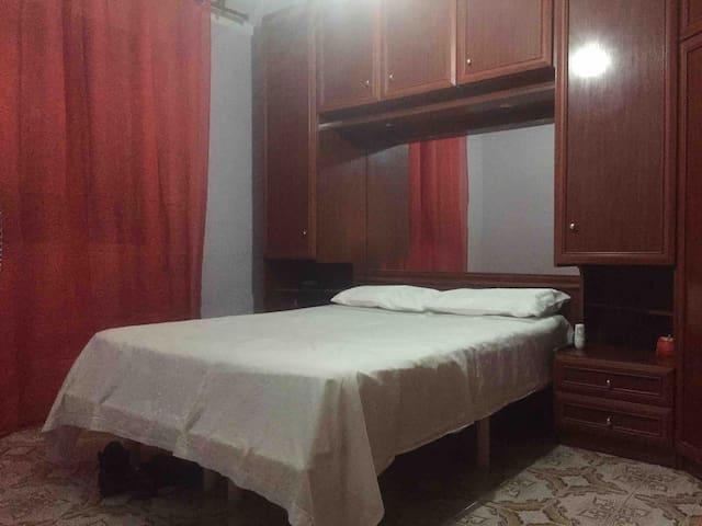 1 beautyfull double bed room  rent in Barcelona