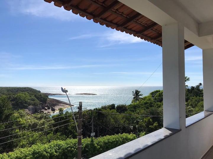 Casa no 3 andar Guarapari Meaipe p/10 pessoas