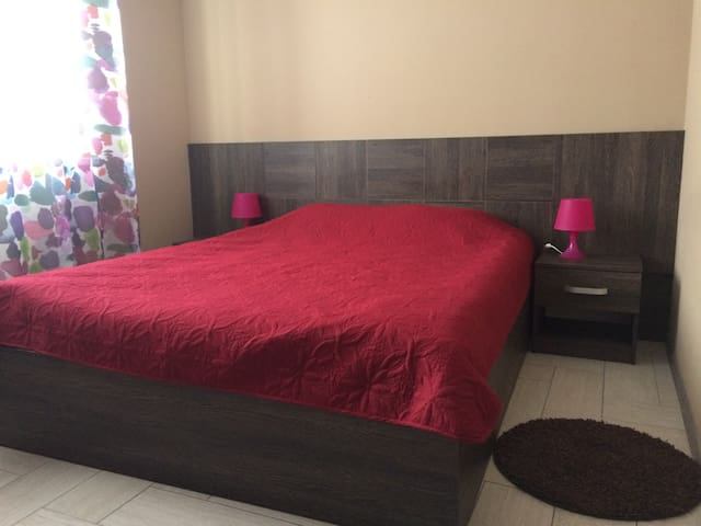 """Отель """"Светлана"""" с одной двухспальной кроватью"""