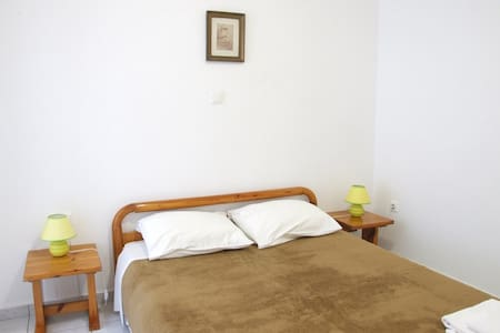 Basic double room in Mykonos - Mykonos - Bed & Breakfast