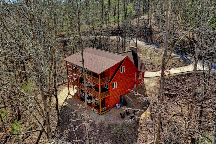 Deer Valley-Sleeps 14, secluded Family friendly
