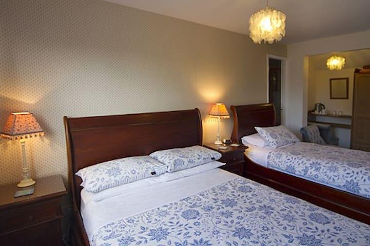 Virginia Lodge 3person bedroom - Stratford-upon-Avon - Bed & Breakfast