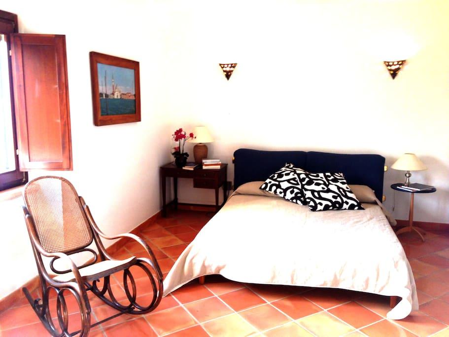 Camera padronale al 1° piano con stanza armadio e bagno personale