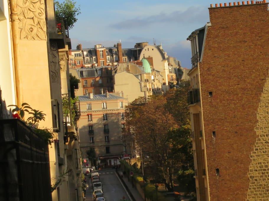 ma rue vue du balcon