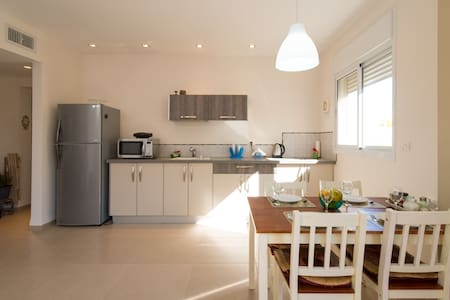 Absolutely HOME in the NORTH - Kiryat Ata - House