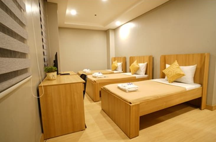 Madison 101 Standard Hotel Rooms - Quezon City - Bed & Breakfast