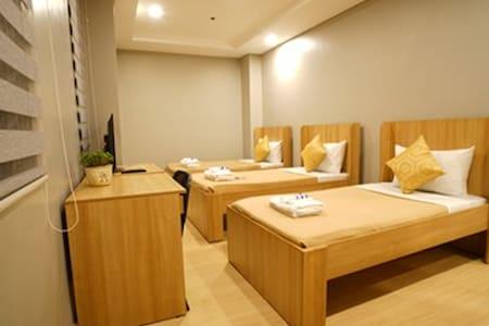 Madison 101 Standard Hotel Rooms - 奎松城 - 住宿加早餐