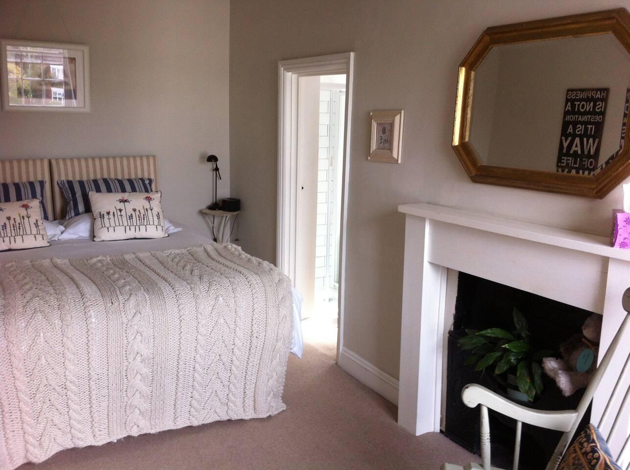 Buttercross room