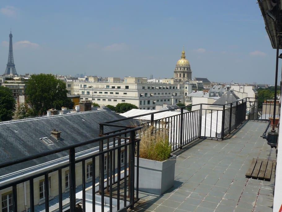 Vue exceptionnelle sur tout paris appartements louer for Appartement paris 12 terrasse
