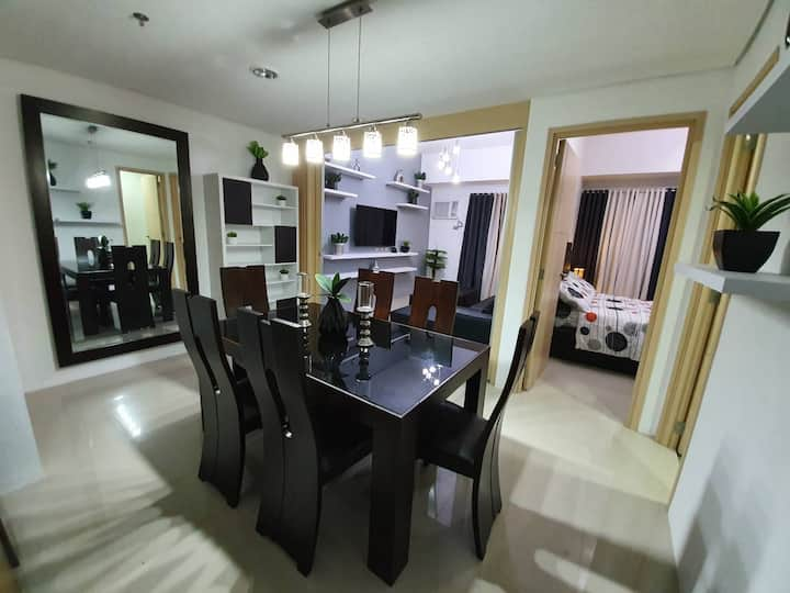 """""""Calm & Elegant Furnished place to stay in Manila"""""""