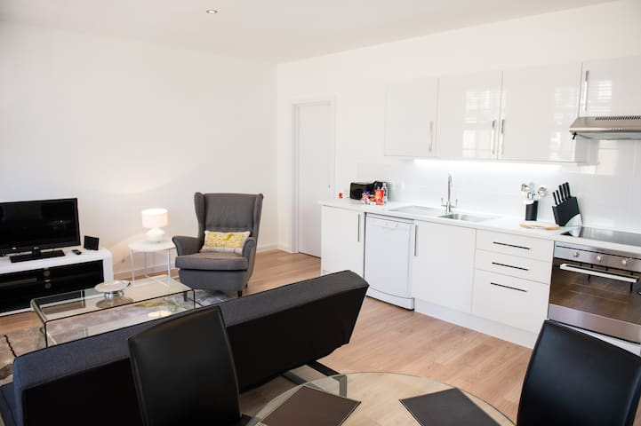 1bed leicester sq · Central 1-Bedroom Leicester Square