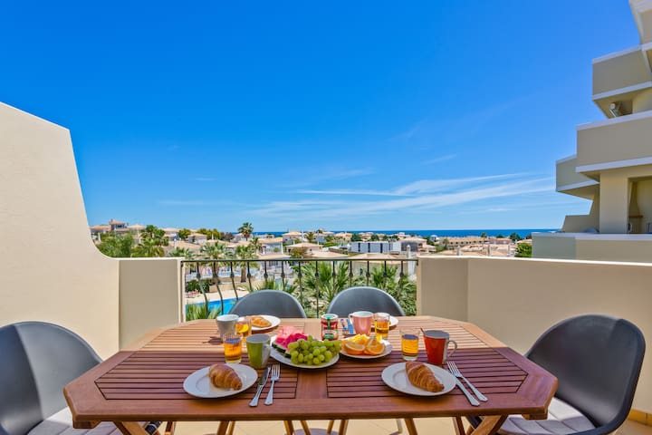 Superb 3 bed apartment, pool and sea view (VR-BJ)