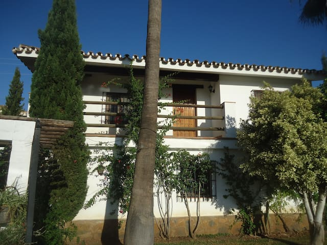 two rooms apartment with breakfast. - Alhaurín de la Torre - Bed & Breakfast