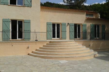 200m² villa end of a privatestreet - La Motte - Willa