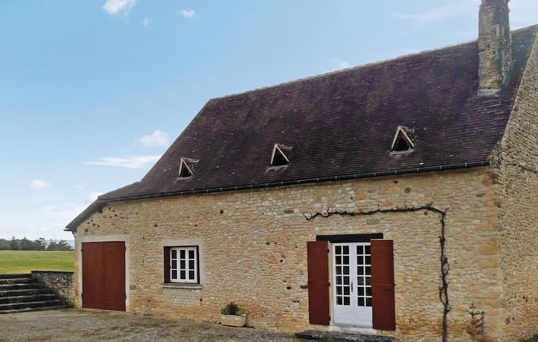 Holiday cottage with 3 bedrooms on 96m² in Sainte Alvere