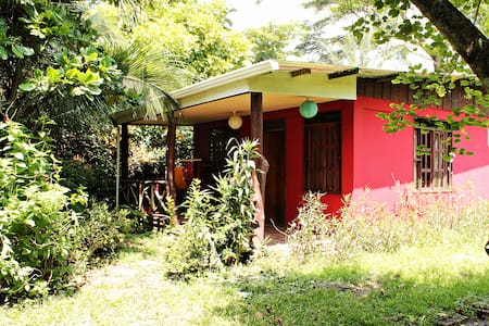 Lovely House near BEACH, Cabuya