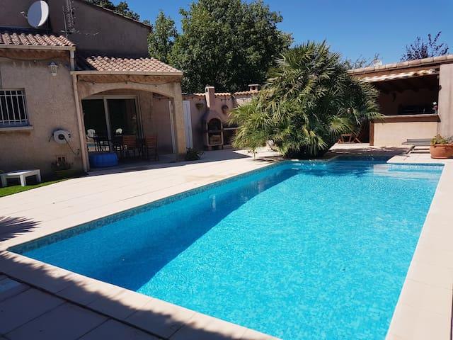 Maison avec piscine en Drôme Provençale