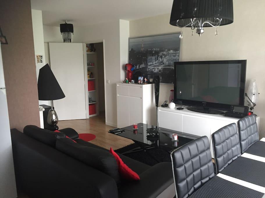 t2 gare centre ville avec jardin appartements louer nantes pays de loire france. Black Bedroom Furniture Sets. Home Design Ideas