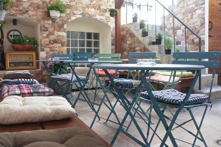 "Hostel ""Yeti"" - Makarska - Bed & Breakfast"