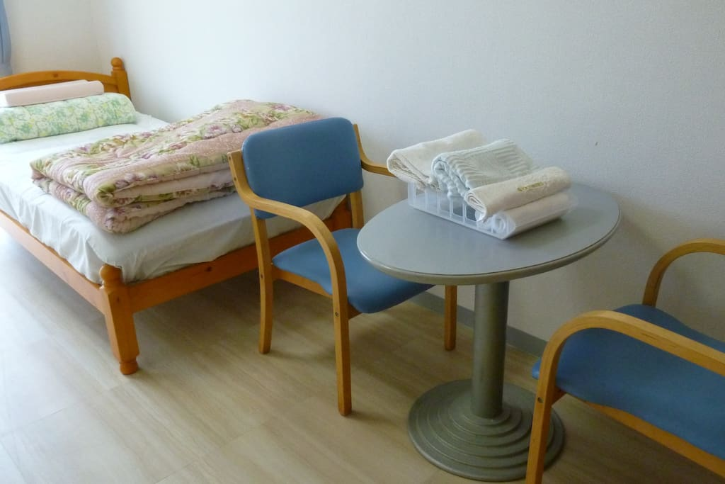 Twin bed room①