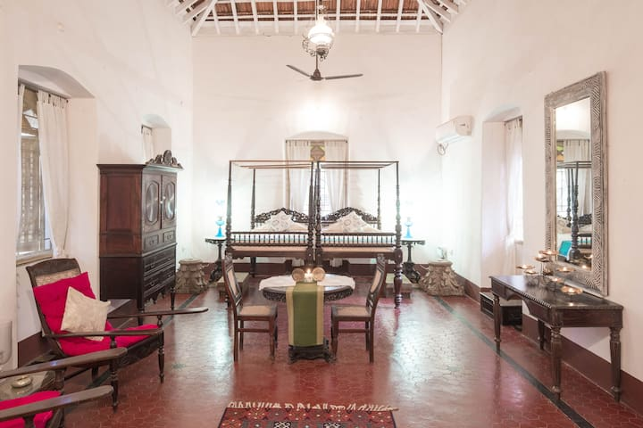 Wow - Romantic Villa, Near Panjim on Divar Island.