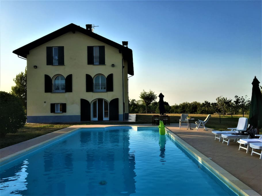 LE 16 QUERCE - relax in piscina