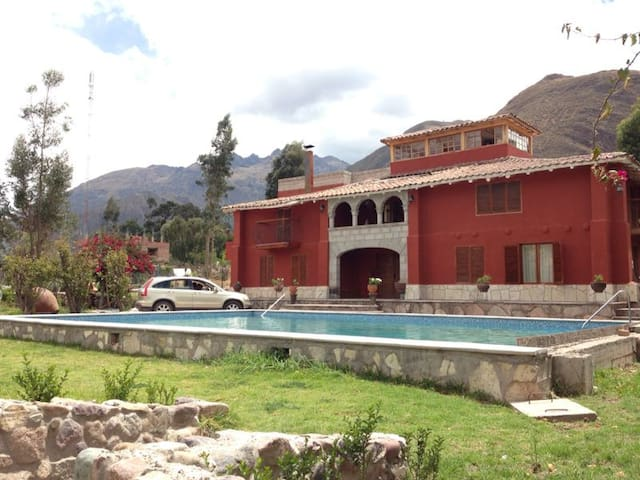Beautiful Colonial Family House - Urubamba