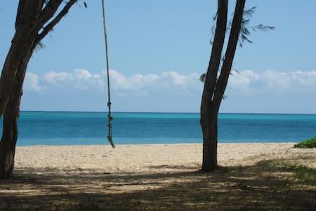 Driftwood Hideaway walk to #1 Beach - Waimanalo Beach - Bungalov