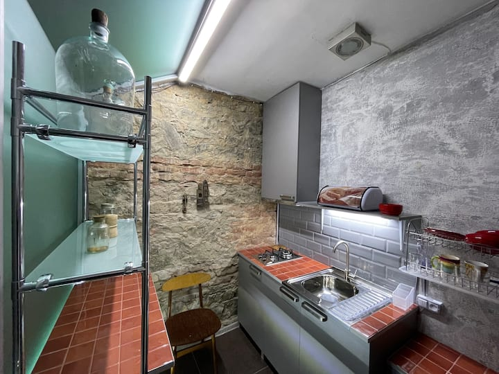 Comfortable,cozy,vintage house in the city center