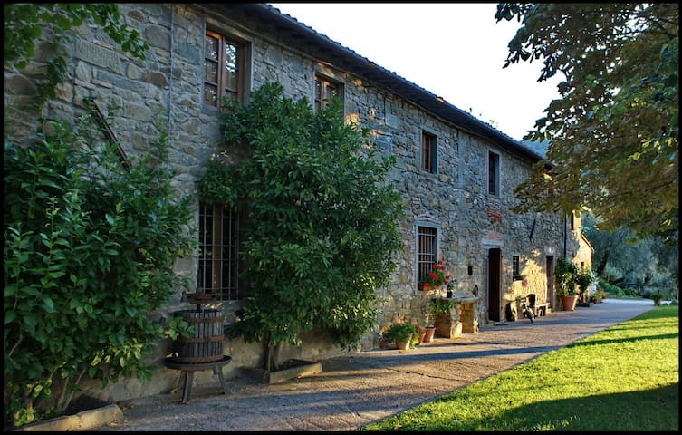 Apartment in Tuscan farmhouse - Massa e Cozzile - Byt