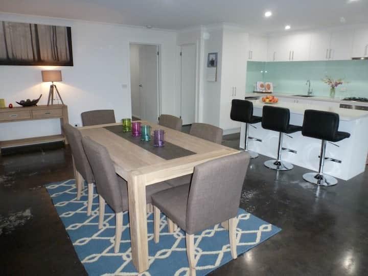 Ben's Place - modern & convenient