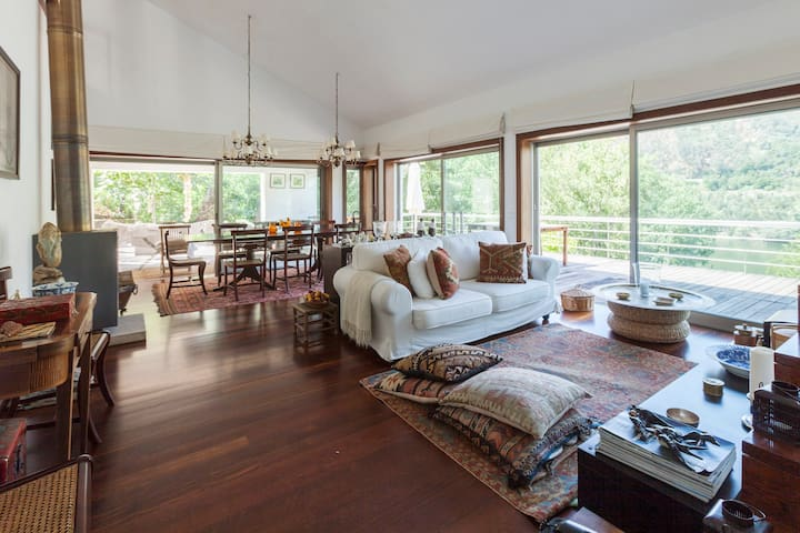 New! Entire House - Riverfront - Espadanedo