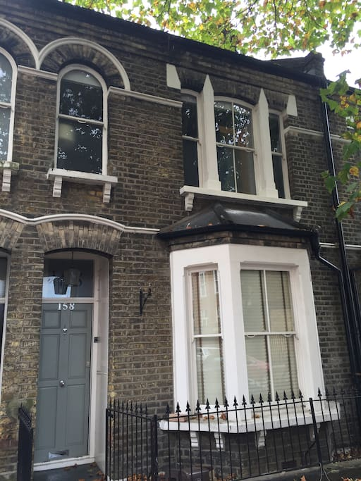 Traditional and stylish terraced period house in Zone 1, Central London